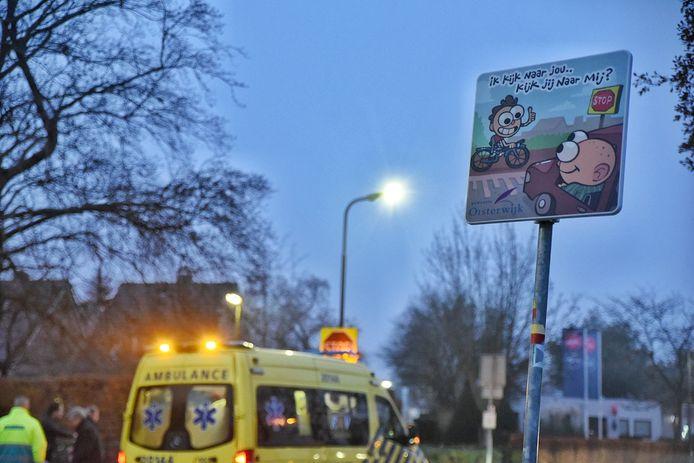 November 2020 deed zich de zoveelste botsing voor op de kruising van het rode fietspad en de Baerdijk in Oisterwijk, ondanks de speciale borden die de gemeente er plaatste.
