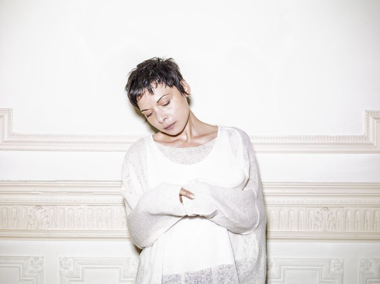 Melanie De Biasio. Beeld RV © Jerome Witz