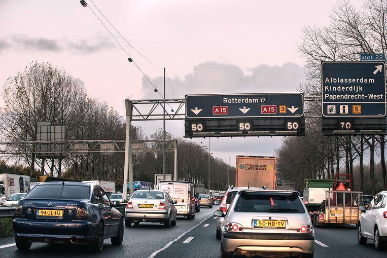 Drukte op de snelweg A15 nabij Papendrecht.  Beeld ANP