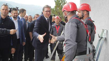 Kosovaarse Albanezen werpen blokkade op tegen Servische president