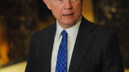 Op verzoek van de baas: justitieminister Sessions stapt op