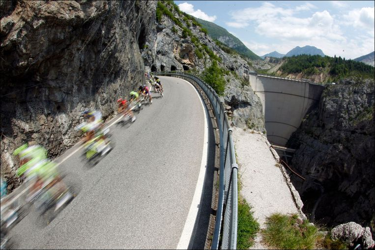 Afdaling in de Giro van 2011. Beeld Photo News