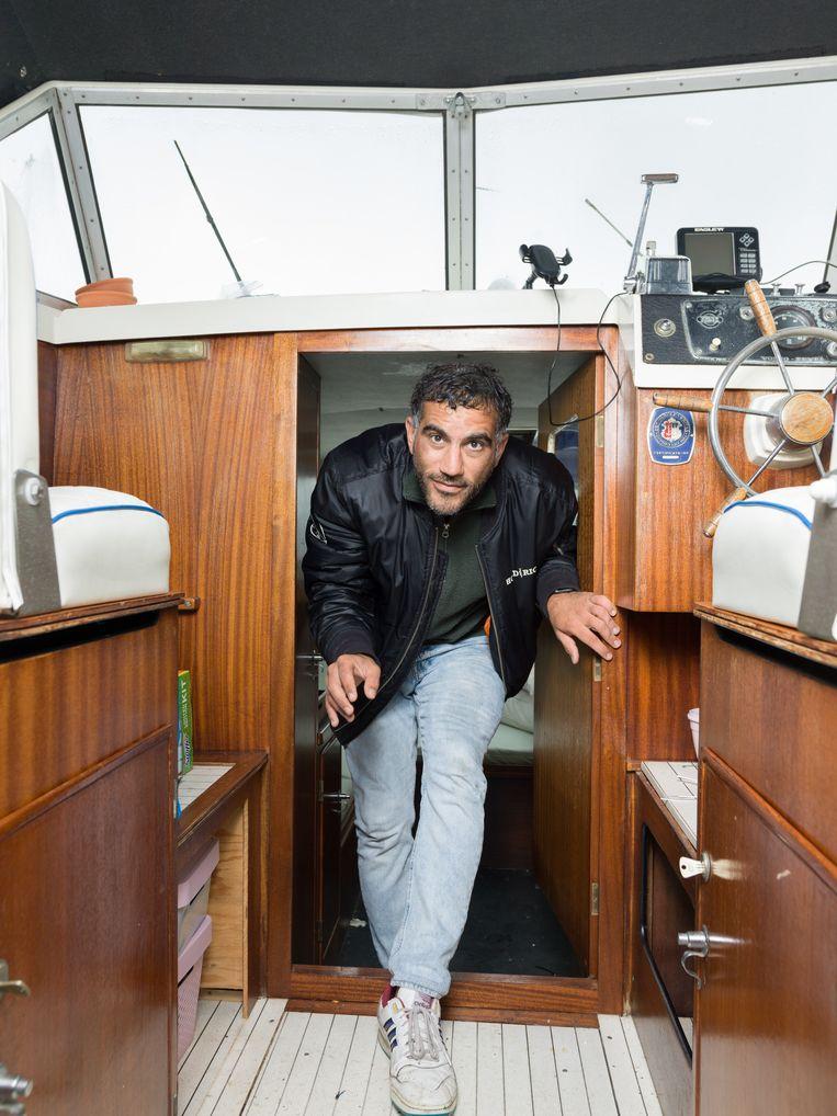 Serdar Tonkas: 'Dit was de eerste boot die ik op Marktplaats zag.' Beeld Ivo van der Bent