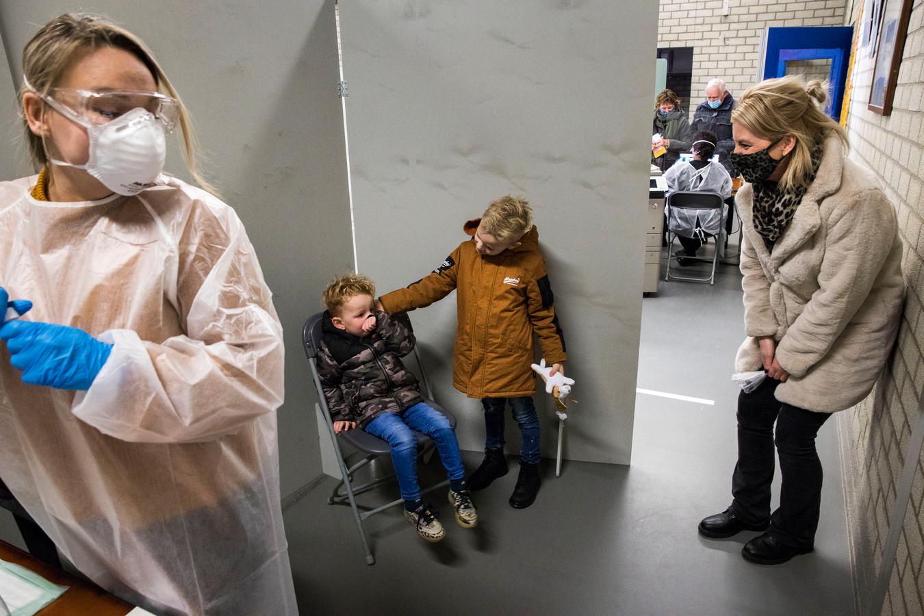 Ook kinderen werden in Lansingerland massaal getest op het virus.