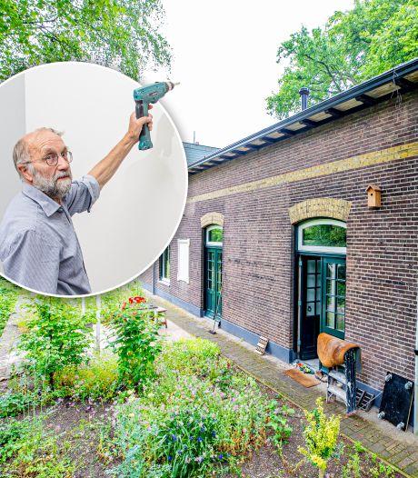 Timmermansoog van Frits (71) zag in station Vaassen een paradijsje: 'Ik heb een zaag in de vloer gezet'