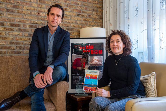 Paul Veerman en Joke Wortel, twee van de drie kinderen van recent overleden klokkenluider Frits Veerman. Ze vertellen over hun jeugd en de strijd die ze voortzetten voor hun vader.