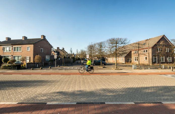 De oude boerderij op het Martinusplein in Dommelen wordt wellicht omgebouwd tot 11 appartementen.