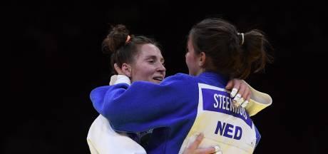 Judoka Guusje Steenhuis uit Grave grijpt brons op WK tegen afzwaaiende rivale Marhinde Verkerk