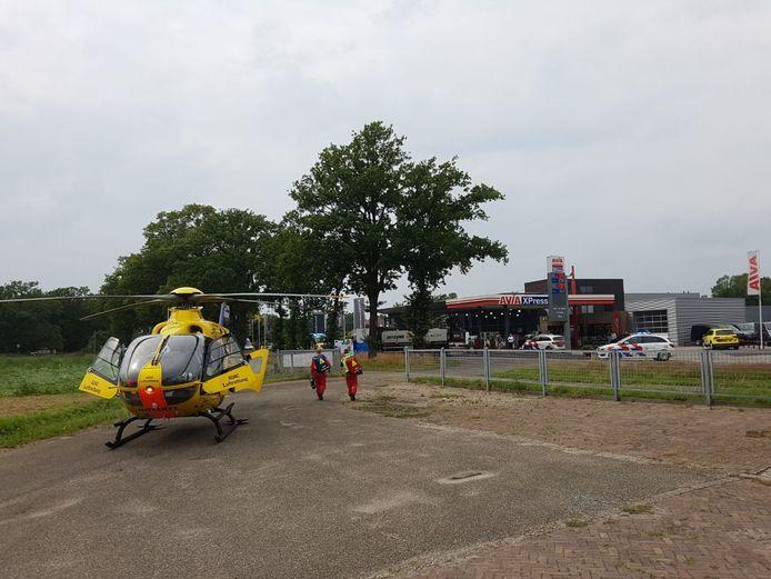 Een traumahelikopter is gearriveerd in Geesteren.