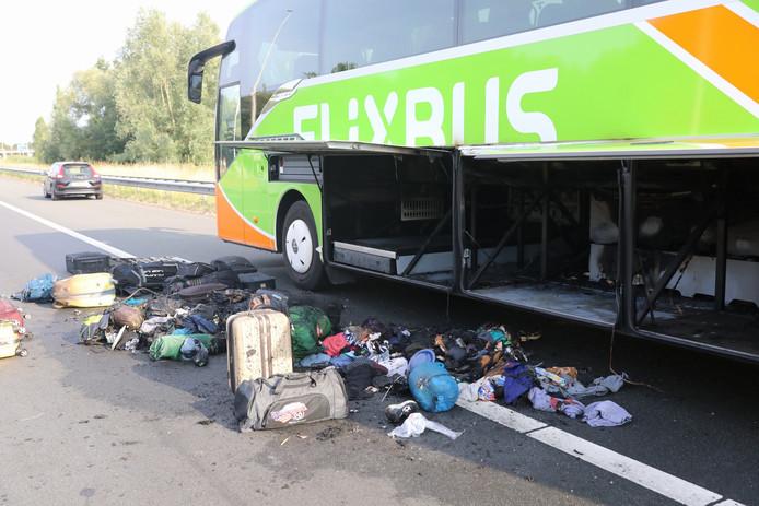 Brand in Flixbus op A1 bij Amersfoort. Bus was onderweg van Amsterdam naar Praag.