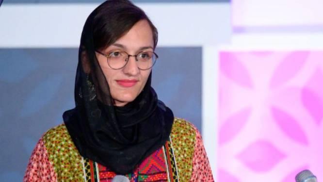 """""""Ik weet dat ze zullen komen om me te doden"""": vrouwelijke burgemeester overleefde al drie aanslagen van taliban en ook haar vader werd vermoord"""