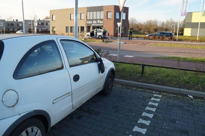 Bij een ongeval op de Tinie de Munnikstraat in Drunen is dinsdagmiddag een fietsster gewond geraakt.