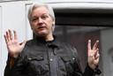 Assange aan de ambassade van Ecuador in 2017.
