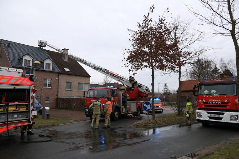 Preventief werd ook de schouw gecontroleerd door de brandweer.