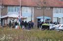 Jongeren hebben zich verzameld op het Tamarindeplein in Leerdam.