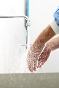 L'entretien intensif des mains, l'autre souffrance du personnel soignant