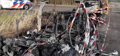 Uitgebrande auto's in Giethoorn zijn van bezwaarmakers loswal: 'Er zijn gewoon brandbommen gegooid'
