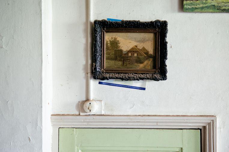 Na een verhuizing is het afwachten wat er overblijft van dat schilderijtje boven de kamerdeur.  Beeld Kees Muizelaar