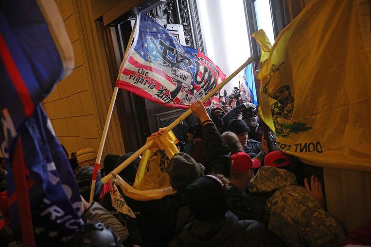 Demonstranten dringen het Capitool binnen Beeld Getty Images