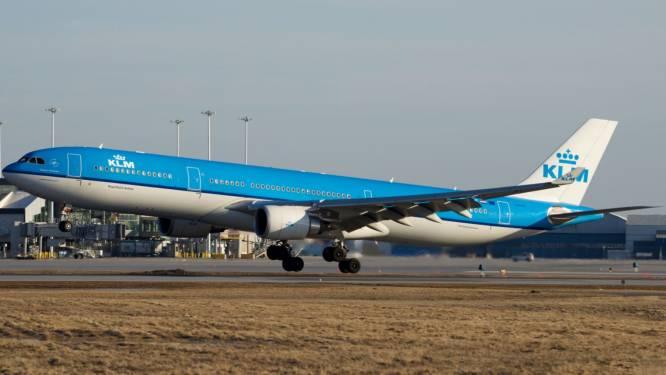 KLM-vliegtuig maakt noodlanding wegens defecte oven