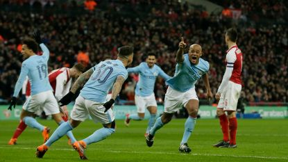 MULTILIVE: Kompany zet Man City in finale League Cup 0-2 voor tegen Arsenal