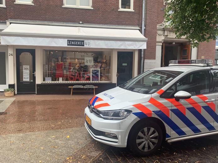 Een man pleegde een gewapende overval op een lingeriezaak in Den Bosch.