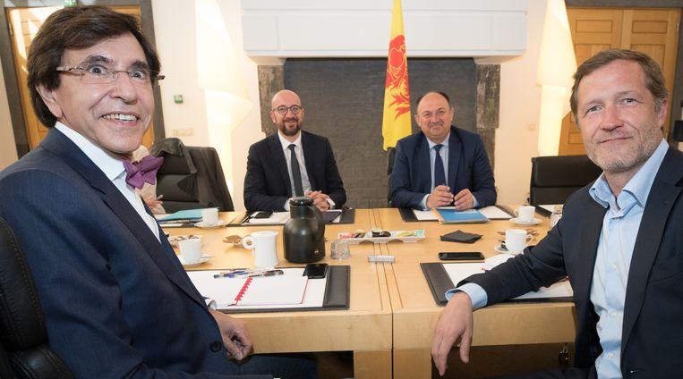PS-onderhandelaars Elio Di Rupo en Paul Magnette, samen met MR-onderhandelaars Charles Michel en Willy Borsus bij een eerder gesprek begin juni.