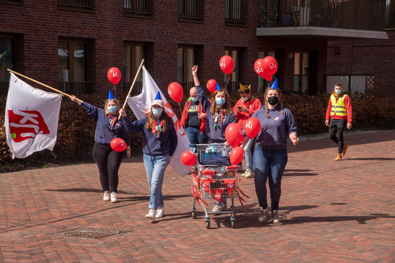KLJ bouwt feestje in het centrum van Wetteren.
