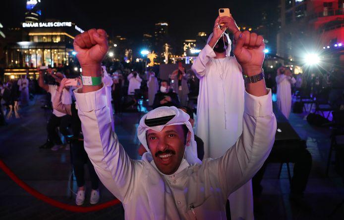 Inwoners van de Verenigde Arabische Emiraten vieren feest.