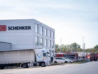 Hulpdiensten uren in de weer nadat vrachtwagen met giftig goedje op bedrijventerrein begint te lekken