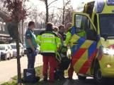 Fietsster met spoed naar het ziekenhuis na botsing in Losser