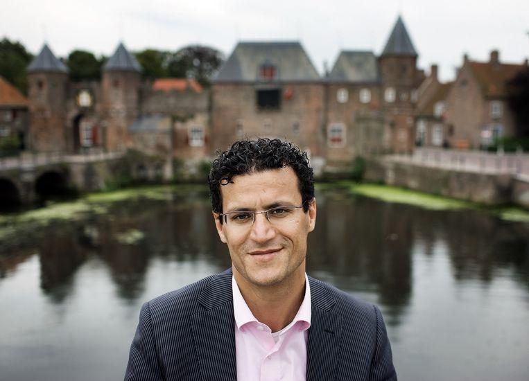 Farid Azarkan in 2008, als spreekbuis van het Samenwerkingsverband van Marokkanen in Nederland (SMN), dat later Samenwerkingsverband van Marokkaanse Nederlanders ging heten. Beeld Guus Dubbelman