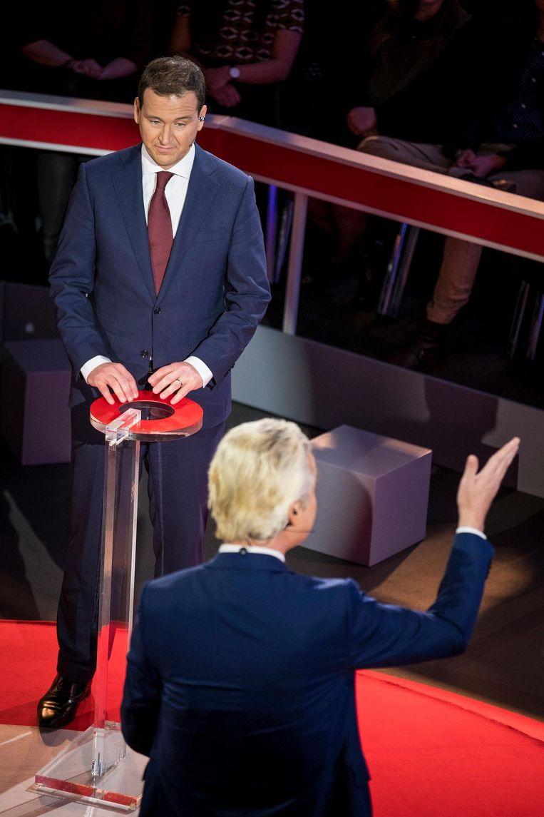 Lijsttrekkers Lodewijk Asscher (PvdA) en Geert Wilders (PVV) tijdens het NOS slotdebat Beeld anp