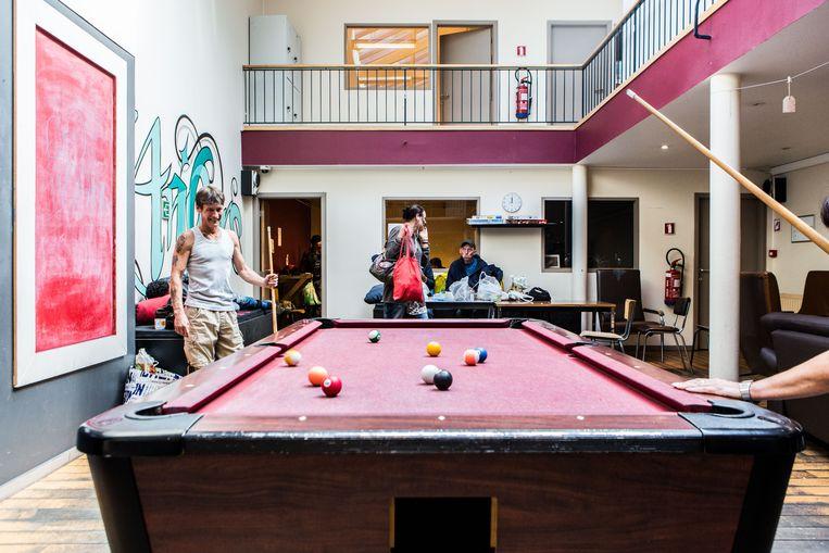Opvangcentrum voor daklozen De Vaart in Antwerpen.  Beeld Thomas Legrève