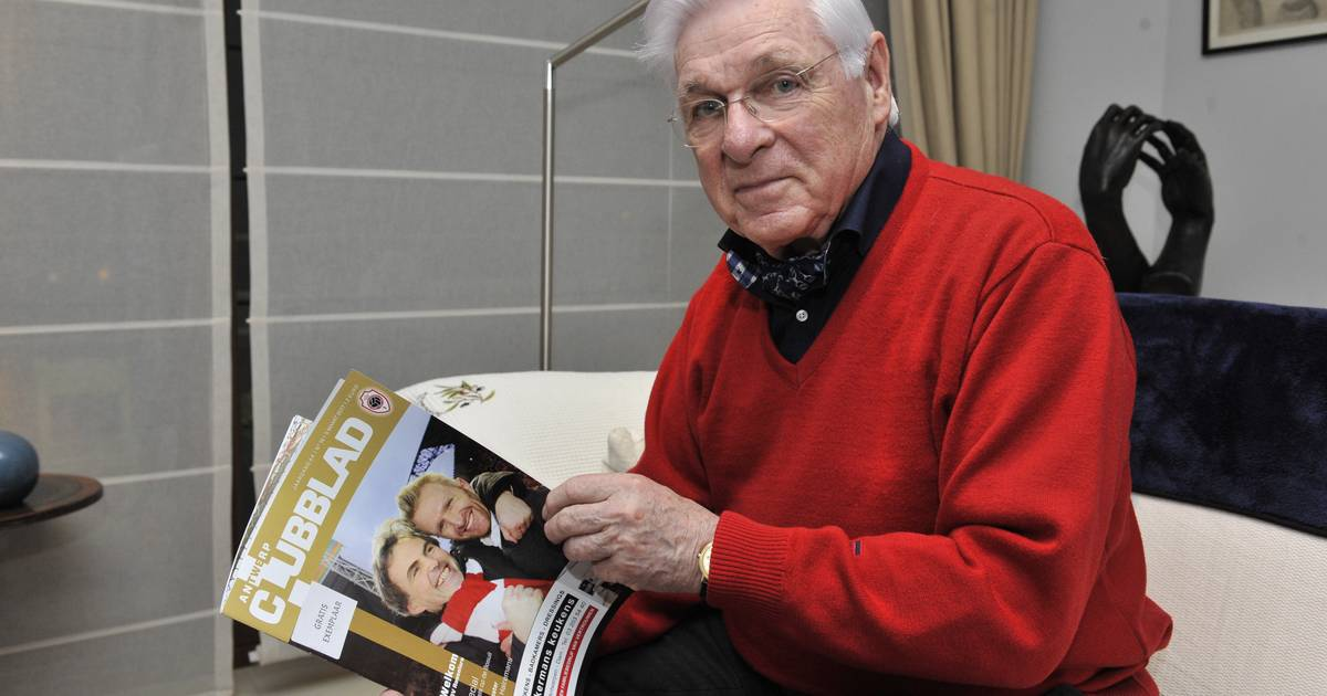 Daniel Vuylsteke (82), sinds 1974 de vaste omroeper bij