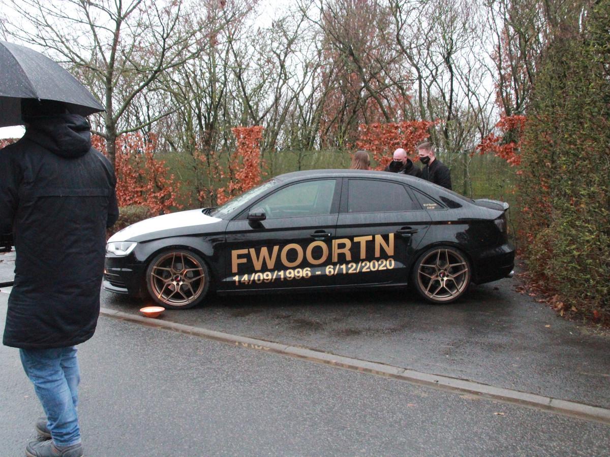 Sommige vrienden pimpten hun voertuig ter nagedachtenis aan Jordy Dufoort.