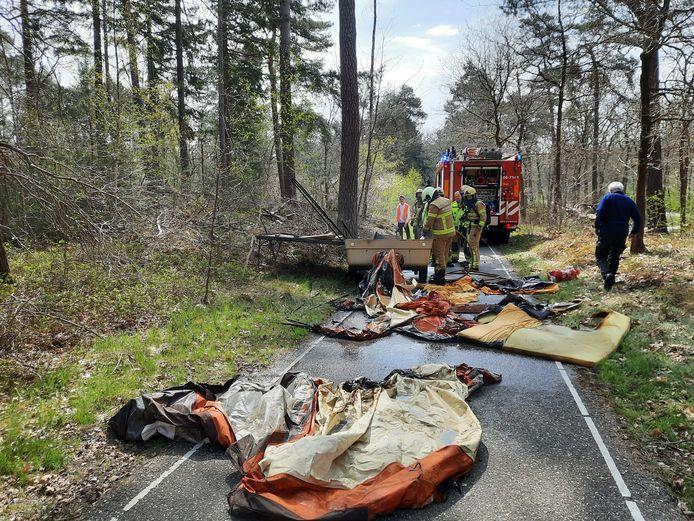 Op de Elspeterweg vloog een vouwcaravan vanmorgen in brand.