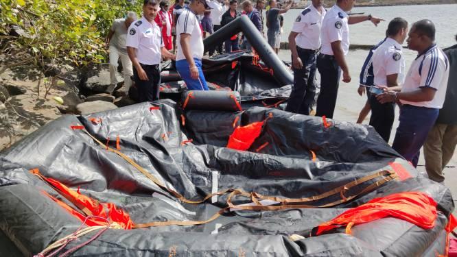 Twee doden bij opruimen olievervuiling Mauritius