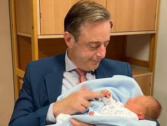 """Opnieuw kindje gevonden in Antwerpse vondelingenschuif: """"Heel emotioneel intens moment"""""""