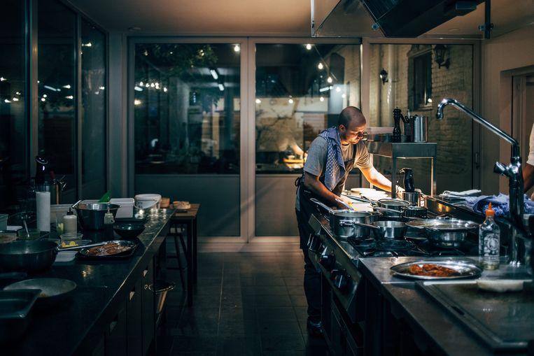 De keuken van restaurant Rebelle in Kortrijk. Beeld JVisual Prod en Eva Vlonk