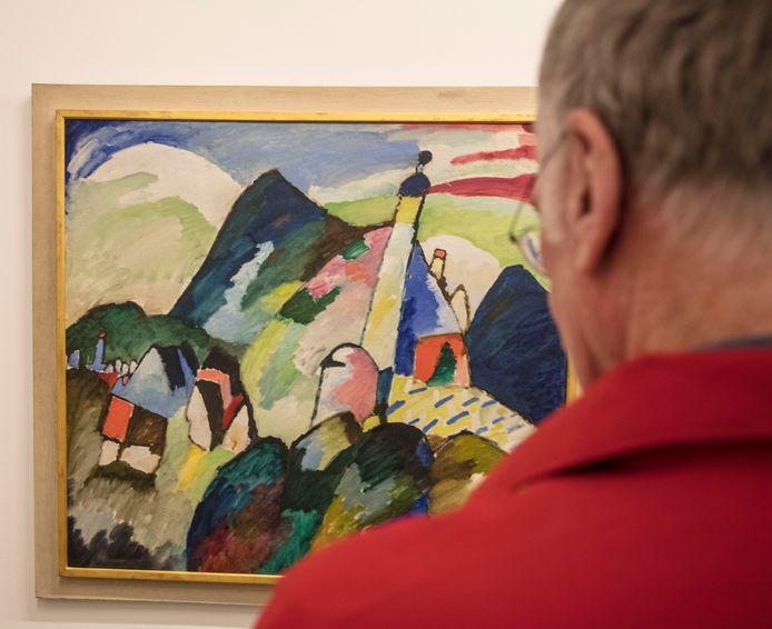Betwist schilder van Kandinsky in het van Abbe museum in Eindhoven