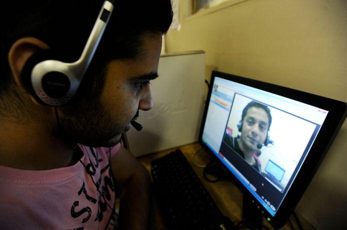 Pour l'Europe, les conversations téléphoniques et visiophoniques sur Skype et d'autres outils de VoIP facilitent la communication des criminels et des trafiquants du grand banditisme.