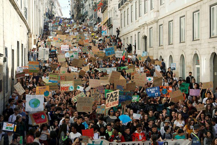 Studentenprotest tegen klimaatverandering in Lissabon in 2015. Beeld REUTERS