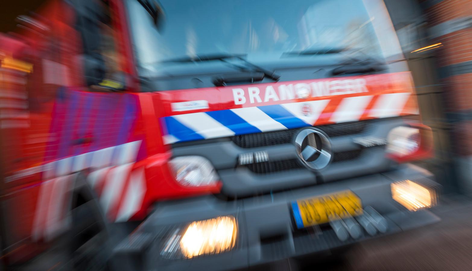 De brandweer van Waardenburg heeft vanaf dinsdag 8 mei de beschikking over een nieuwe hoogwerker.