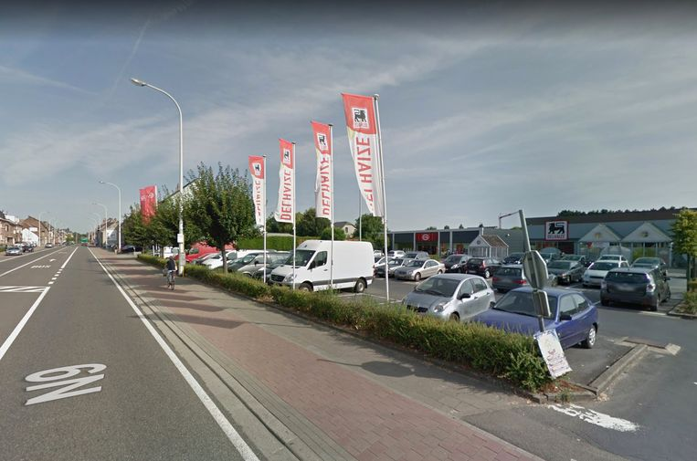 De fiets werd gestolen op de parking aan de Delhaize langs de Brusselsesteenweg.