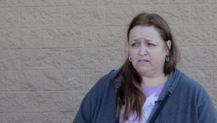 Mary, een 44-jarige pizza delivery driver, legt uit waarom zij haar stem gaf aan Donald Trump.  Beeld Screenshot