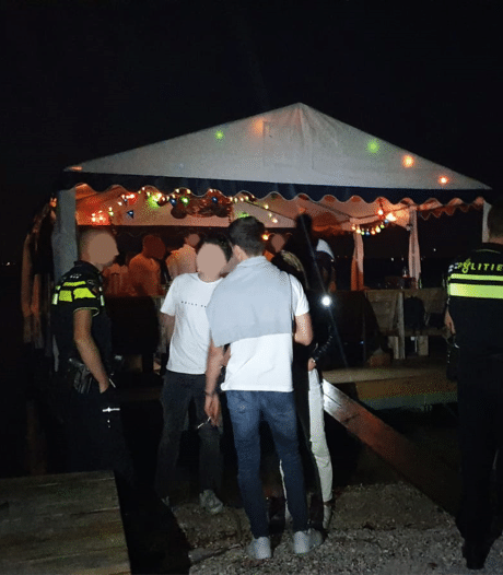 Feestende jongeren bij Bruinisse op de bon geslingerd