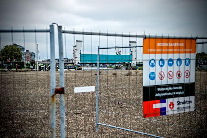 Het EMK- terrein in de Stormpolder in Krimpen is al jaren vervuild en wordt eindelijk schoon gemaakt