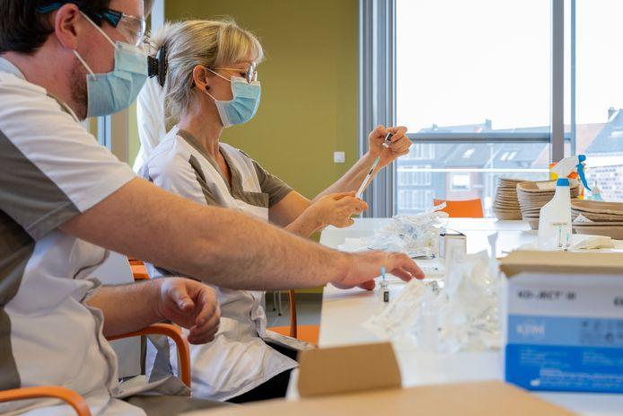 Beeld van de vaccinaties in woonzorgcentrum Meulebroek in Hamme.