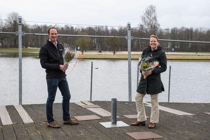 Bestuurders Jeroen Ziel en Gerri van Gerner van Gastvrij Wierden op het Lageveld.
